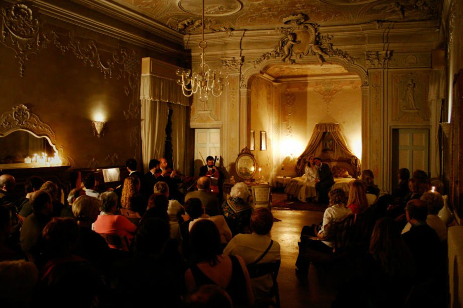 Musica a Palazzo 'Traveling Opera' Performance in Venice ...